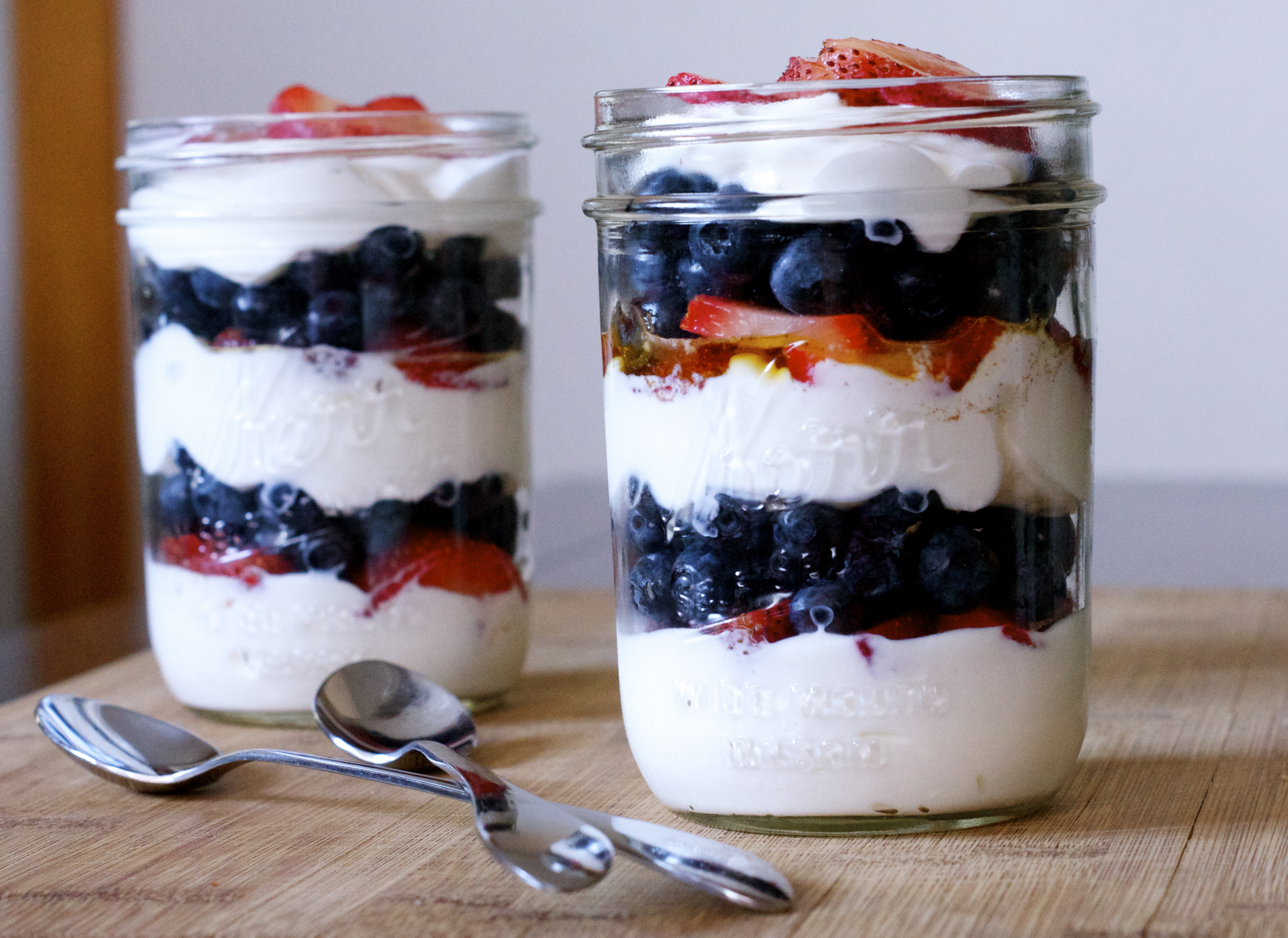 Easy yogurt parfait recipe